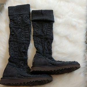 Ugg Cardi Boots like new. Sz 8 grey